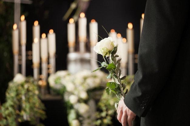 Sängerin für Beerdigung