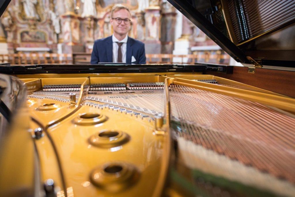 Pianist Sängerin